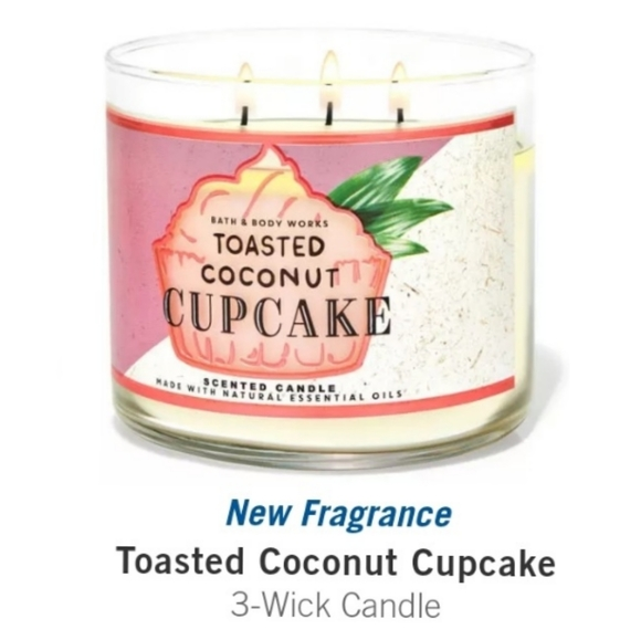 """🕯🥥🧁 NWT‼️BBW """"Toasted Coconut Cupcake"""" Candle"""